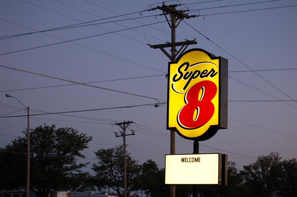 1_super8