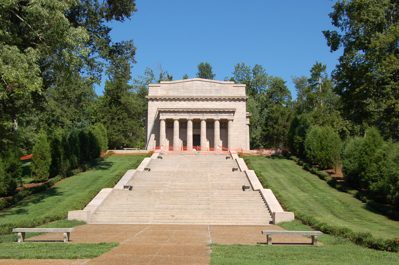 10_lincoln_monument_2