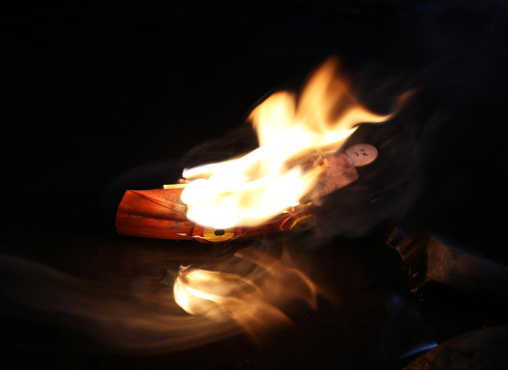 Impressive flames for longer than previous attempts.